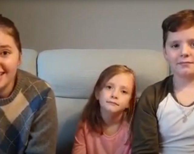 Rodzinka Kulikowskich - Laptop pod choinkę